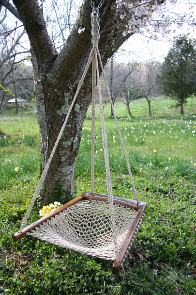 Oakweave Hanging Chair Dark Frame